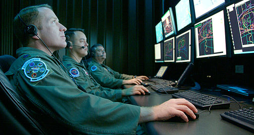 512px-Monitoring_a_simulated_test_at_Central_Control_Facility_at_Eglin_Air_Force_Base_(080416-F-5297K-101)